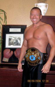 gig-schmidt-belt-around-waist-august-26-2008