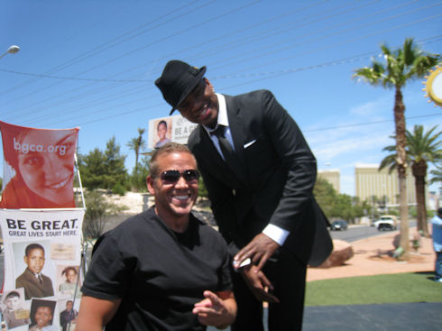 Gig Schmidt and Ne-Yo, Boys and Girls Club of America Billboard Unveiling, May 20, 2010