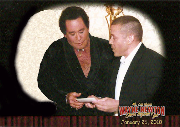 Gig Schmidt showing Wayne Newton picture of Wayne and Gigs mother, Tropicana Hotel, Jan 26, 2010